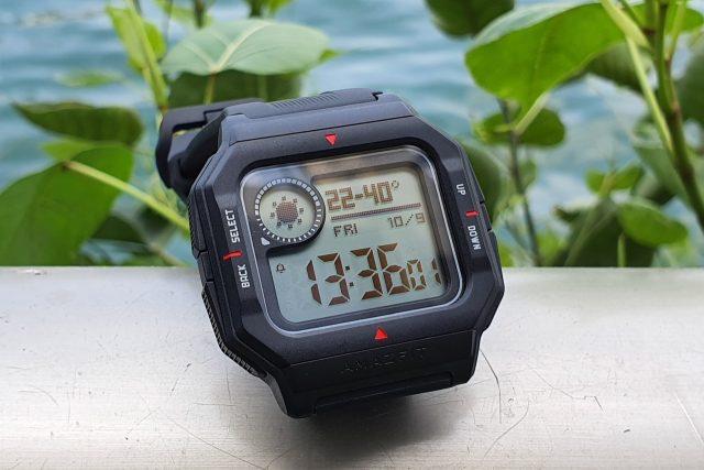 """גאדג'טי מסקר: Amazfit Neo – שעון """"רטרו"""" דיגיטלי חכם"""