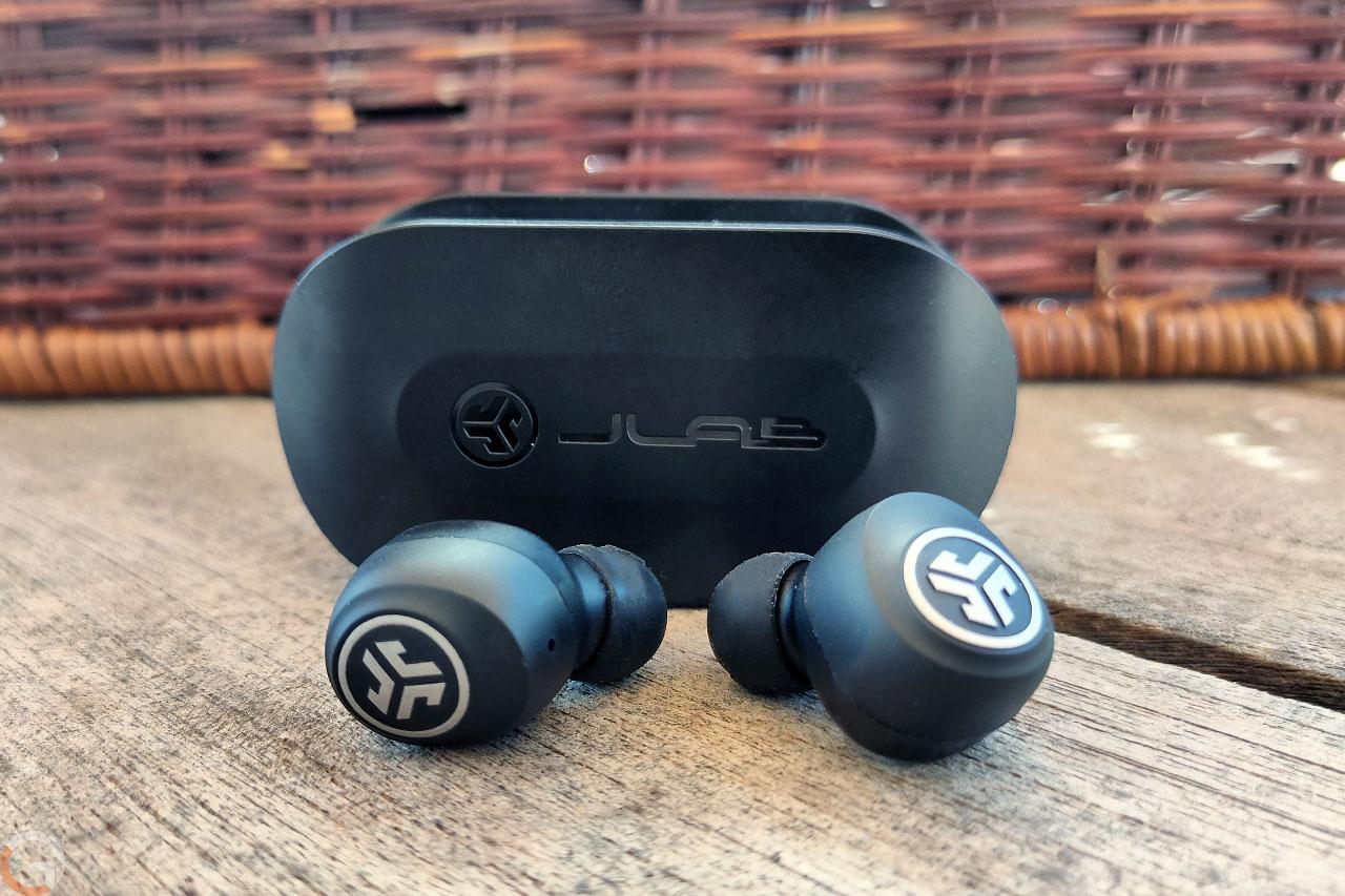 אוזניות JLab GoAir True Wireless (צילום: רונן מנדזיצקי, גאדג'טי)