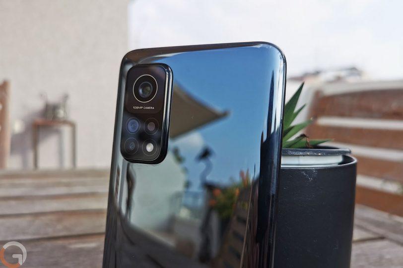Xiaomi Mi 10T Pro 5G (צילום: רונן מנדזיצקי)