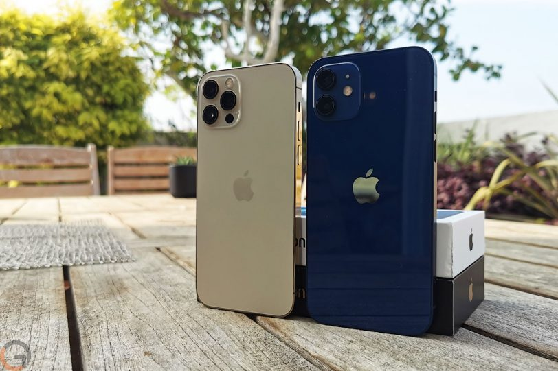 מימין לשמאל: אייפון 12 ואייפון 12 פרו (צילום: רונן מנדזיצקי)