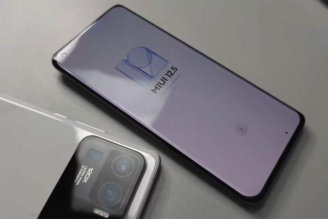 Xiaomi Mi 11 Ultra (תמונה: Youtube/Tech Buff)