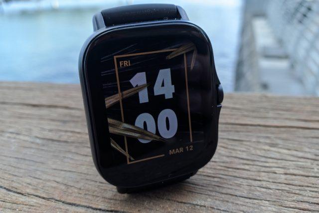 GTS 2e - תצוגות שעון מובנות