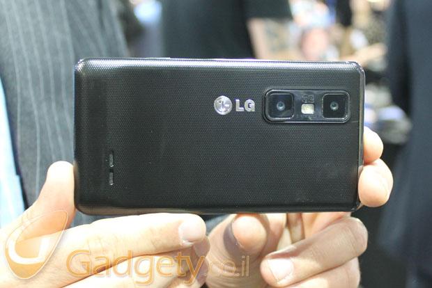 LG Optimus 3D (צילום: אוהד צדוק)