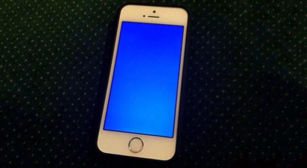 iphone-5s-blue-screen-640x352
